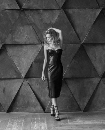 ポゴリラヤ 素敵なドレス モノクロ