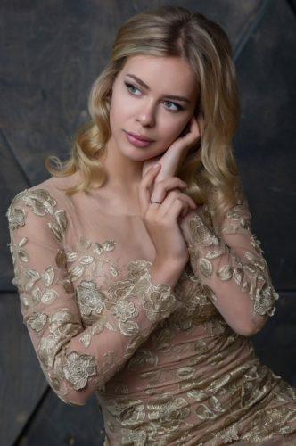ポゴリラヤ 素敵なドレス