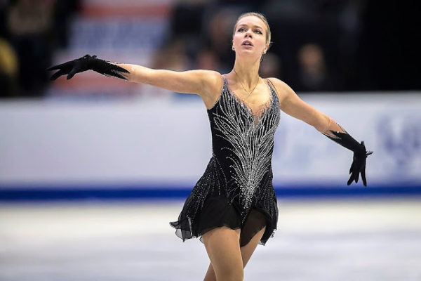 アンナ・ポゴリラヤ FSブラックスワン スケカナ