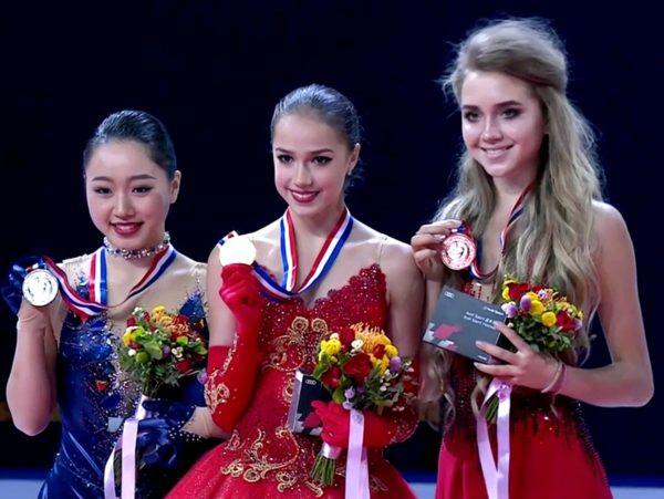 樋口新葉×ザギトワ×ラジオノワ 中国杯 表彰